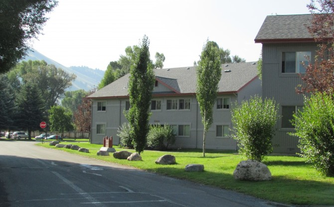 Cedar Creek Apartments Image